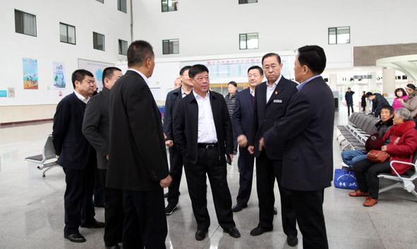 烟台市交通运输局局长王永杰一行莅临集团检查指导