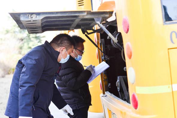 """金泰校车""""整装""""待发为学生安全撑起""""保护伞"""""""